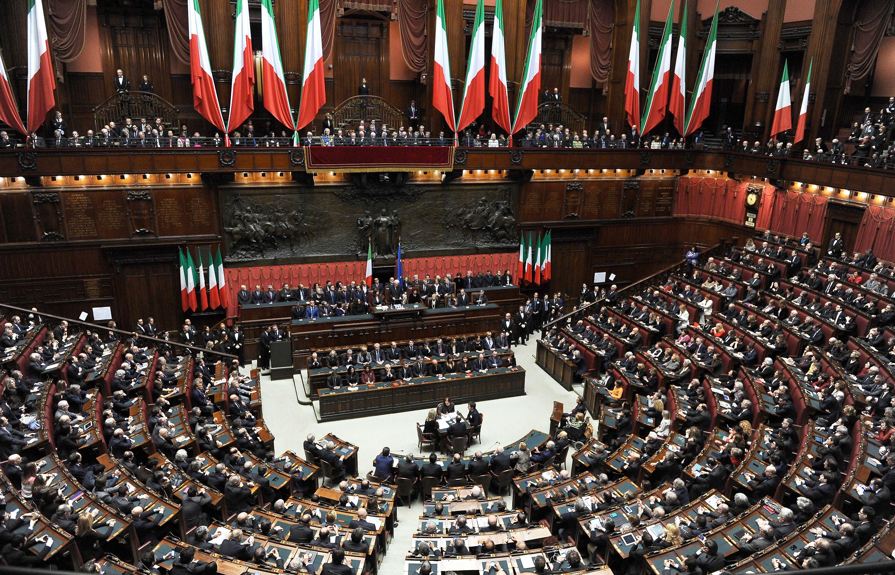 Italie le renouveau pr sidentiel le taurillon for Parlamento della repubblica