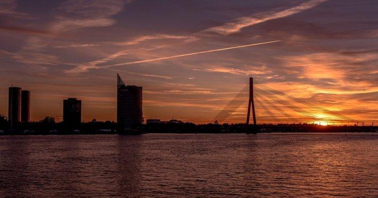 Les nuages noirs de la finance s'accumulent au-dessus de la Lettonie