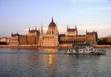 Hungary : A test case for the European Union