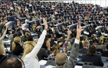 Eurozone's MEPs : Wake up !