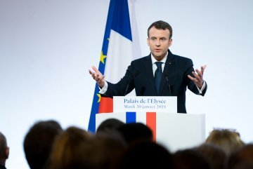 Briefing : President Macron's address on the coronavirus situation