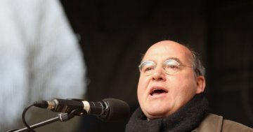 Interview with Gregor Gysi: Be more rebellious