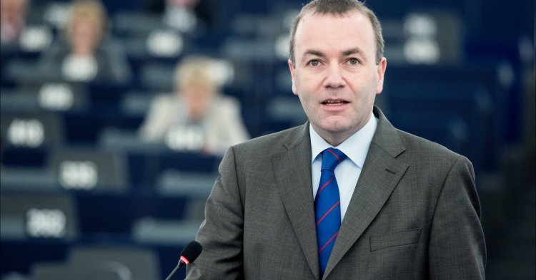 Manfred Weber needs to look to his left to find allies